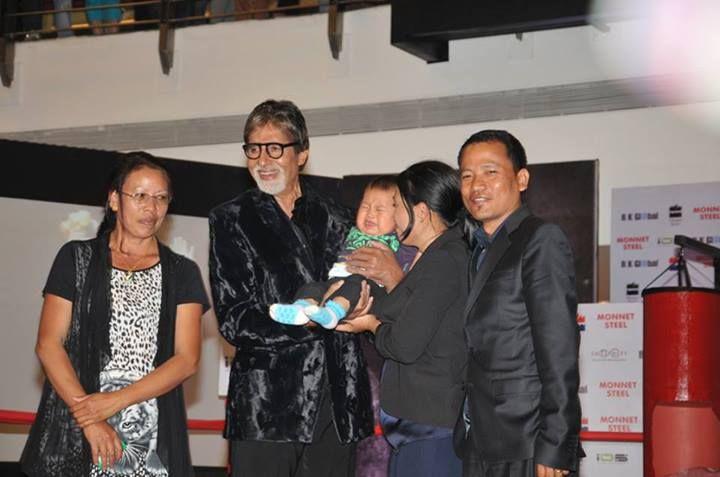 Amitabh Bachchan and Mary Kom Family at Infiniti Mall