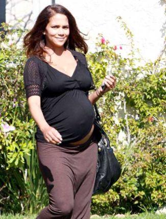 Celebrity pregnancies over 35
