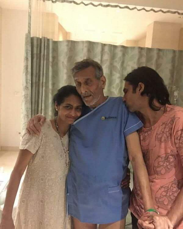 Vinod Khanna hospitalised for severe dehydration and alleged bladder cancer! We wish him a speedy recovery. @filmywave  #VinodKhanna #celebrity #bollywood #actor #bollywoodactor #filmywave