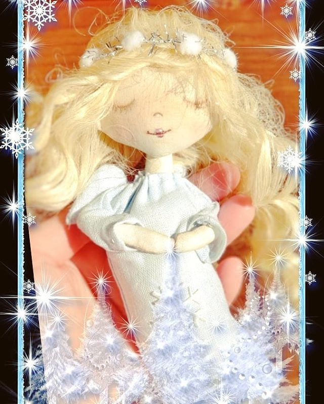 A little sleeping #angel . Very Christmas and very housewarming    Looking for home .. $25 shipping. Order in Direct. Just one is available.  #christmasgift #christmasangel #sleepingbeauty #sleepingangel #christmasmood #holidaymood #holidayseason #wintertime #winterholidays #handmadedecor #christmasdecorations #christmasdecor #christmasornaments #christmastree #ornaments ##christmastreeornament #buyhandmade #handmadelovers #sweetangel #angeldoll #sanfranciscoartist #usaart #newyorkartist #textiledoll