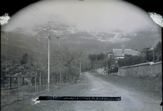 Buitenkant Street which linked the settlement of Cape Town to the Wash Houses next to the Platteklip Stream where clothes were washed by slaves. Snow on Table Mountain!!
