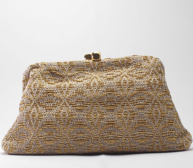 Dado. Ladies clutch in handwoven fabric. Onice linen- gold 50% linen, 50% poly