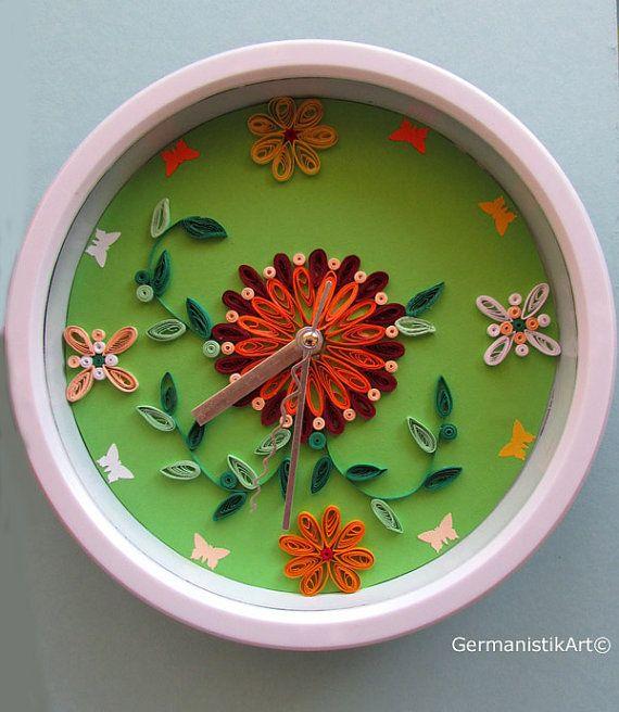 Handgemachte QuillingWanduhr mit Blumen von GermanistikArt auf Etsy, $28.00