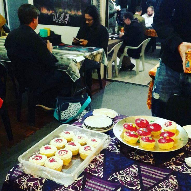 Round 1 with cupcakes #FNM #magic