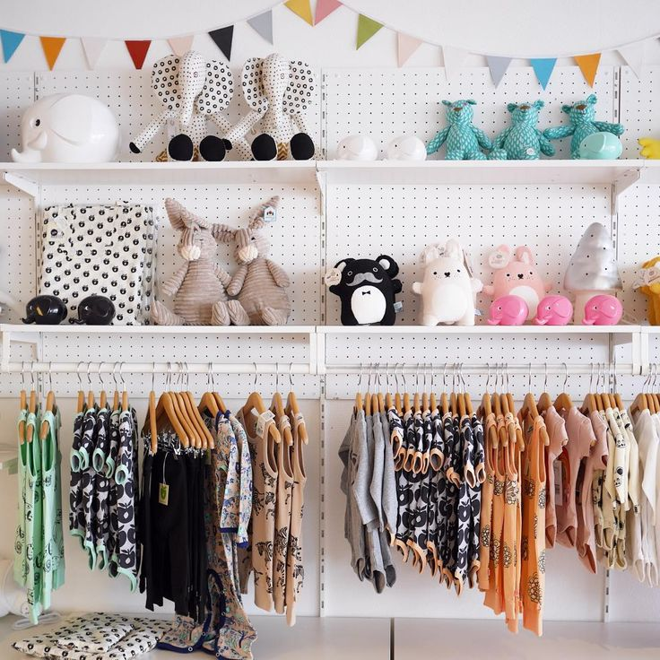 Little for Mini, Children's Clothing & Decor, Karlsborg, Sweden  www.littleformini.se Shop interior, visual merchandising. #barnbutik #minirodini #ommdesign #norsu #ilovenoodoll