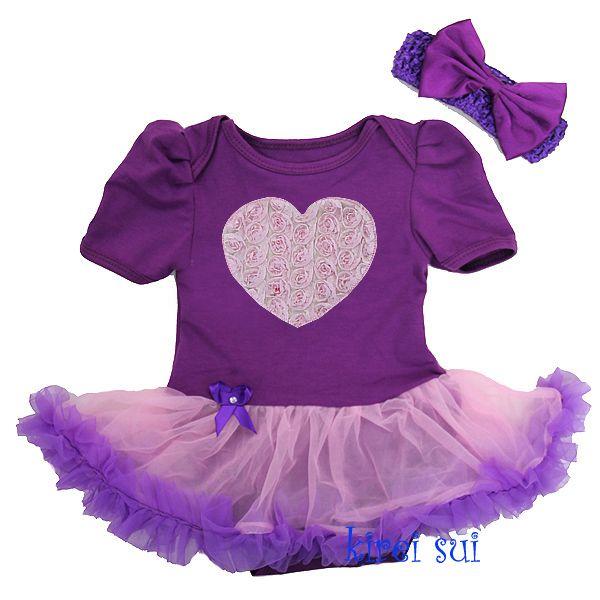 Pettiskirt jurk paars met applicatie hartje. Een super lief paars jurkje met een hartje. Leuk voor een feestje of fotoshoot!
