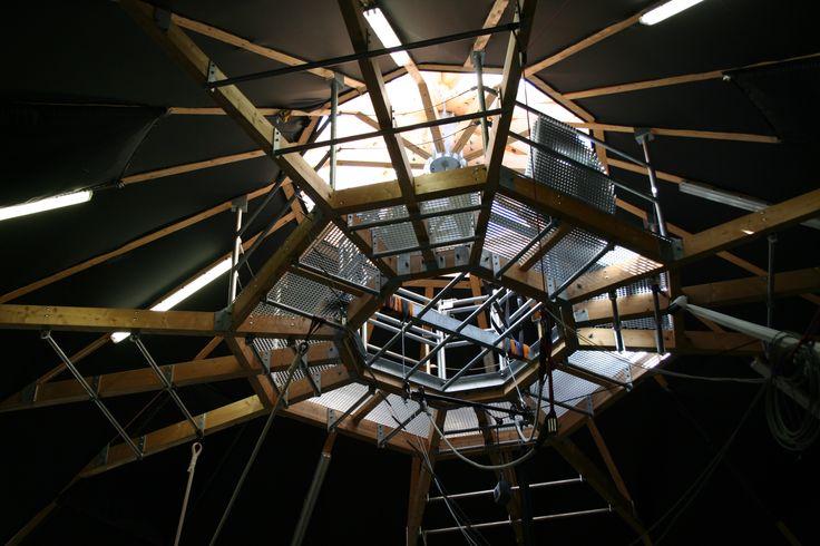 überholz-Exkursion: Chapidock - demontierbares, energiesparendes Zirkuszelt, Nantes  Architektur: In Situ-Architecture&Environnement Holzbau: Yves-Marie Ligot  Foto: Veronika Müller