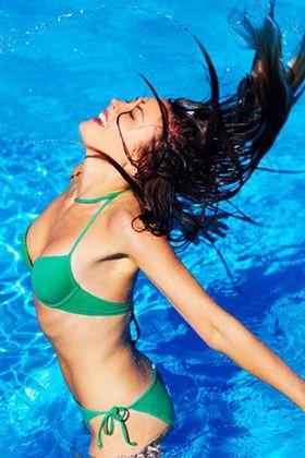 Swimming Pool Hair Remedy - 2 Tbs baking soda, 1/4 cup fresh lemon juice, 1 tps mild shampoo