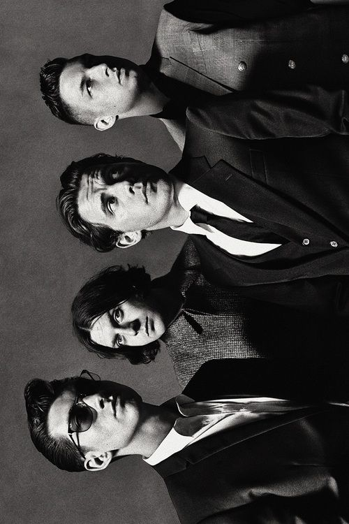 Arctic Monkeys.. I WANT TO GO SEE THEM SO BADLY.