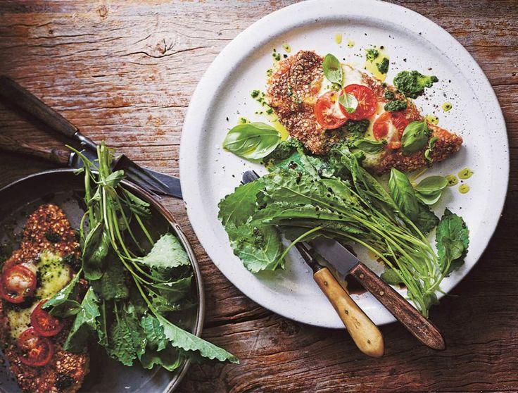 Parmigiana di pollo e quinoa con pesto di cavolo