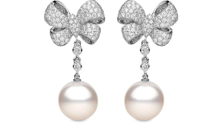Yoko London 18kt white gold earrings with 2.67cts diamonds and South Sea pearls 13-14mm