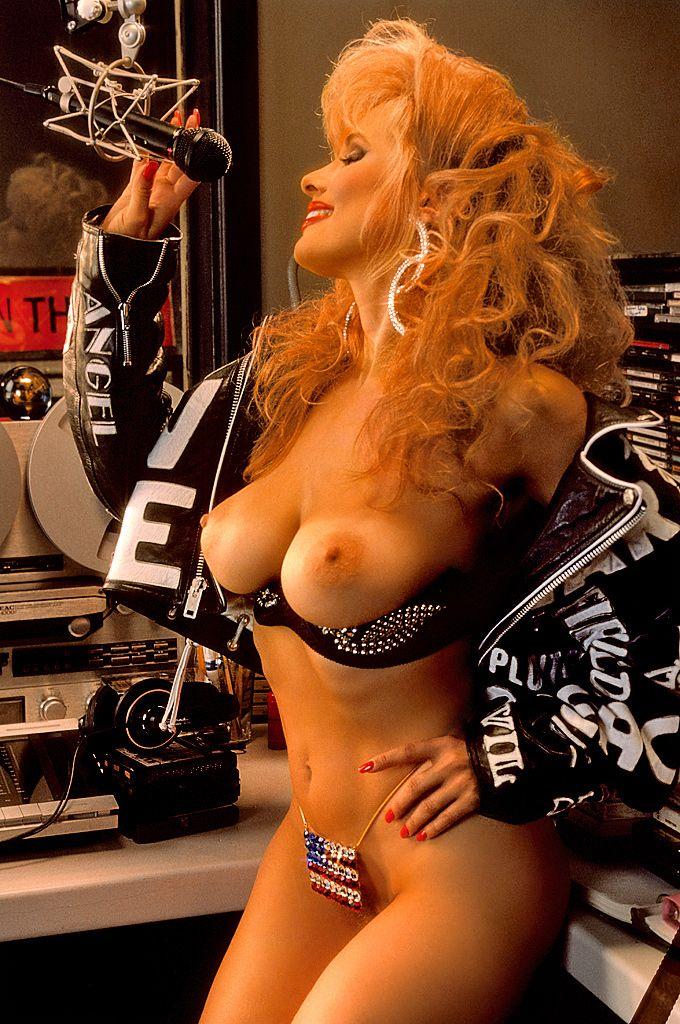 redhead-amanda-margaret-colin-hot-nudes-young-jenna