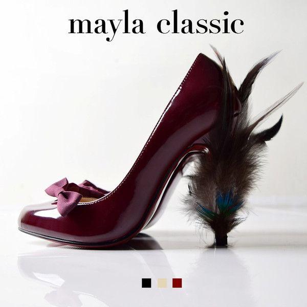 """mayla classic Lucas「『愛しのアートとシューズの素敵な関係』風になびくヒールのモチーフはしなやかなボディと重なることで洗練された翼となりアーティスティックな印象をもたらせます。エレガントなボルドーのボディにはビターな大人の""""ブラウンフェザー"""" フェミニンなベージュのボディには軽やかな""""クリームフェザー"""" スタイリッシュなブラックにボディには青い炎の灯火を…それぞれにノーブルな魅力が武器の個性派シューズをご堪能ください。」 #pumps #fashion #mayla_classic"""