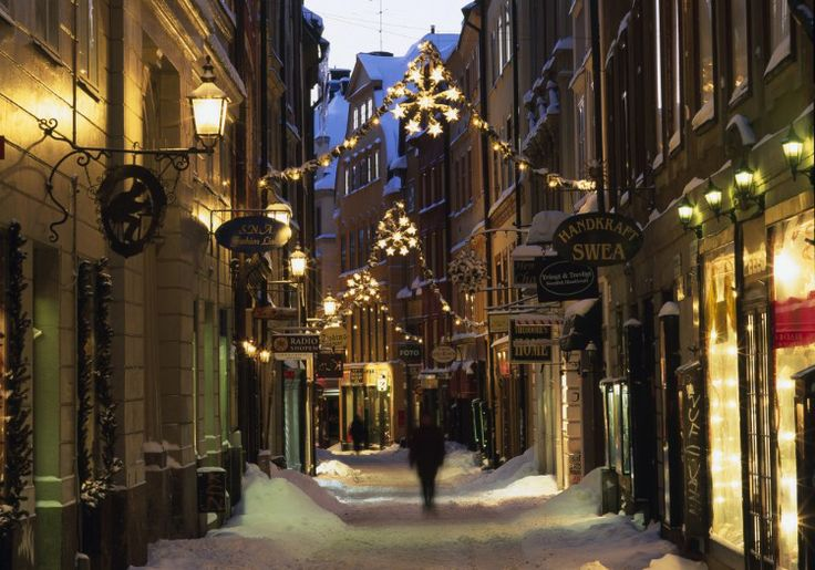 Are you serious? I dream of walking down places like this. Hope I do one day...[053] Stockholm, Sweden | Christmas In Stockholm