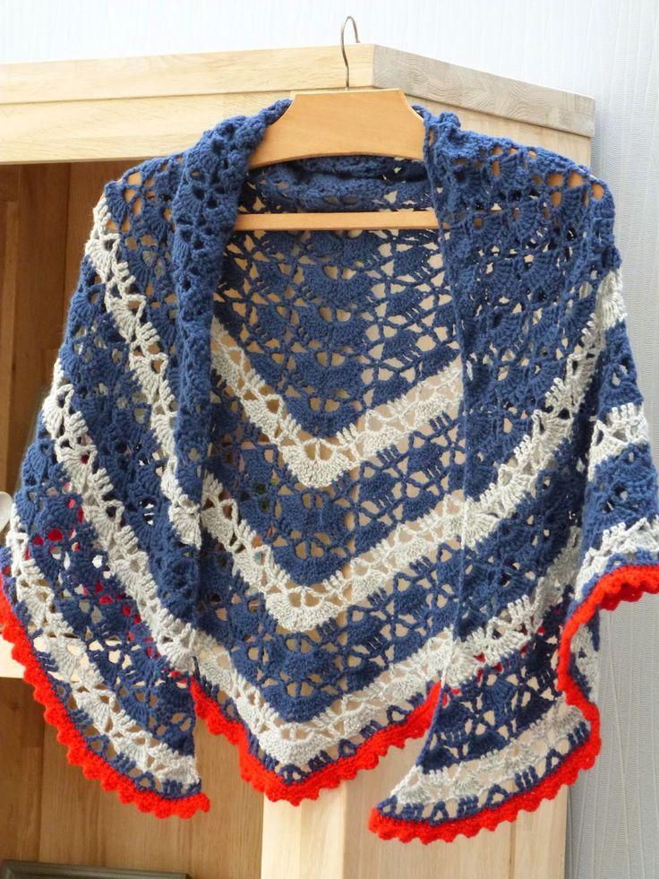 """STIKPLEZIER! Een tijd geleden maakte ik deze omslagdoek met de wol """"Soft"""" uit de Zeeman. Handmade by Nancy"""