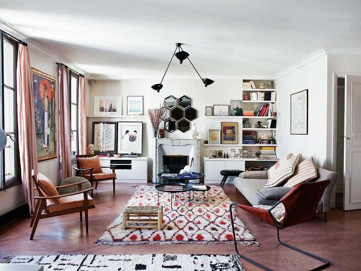 gravityhome:  Paris apartment    Follow Gravity Home: Blog - Instagram - Pinterest - Facebook - Shop  http://ift.tt/2gbEbLD