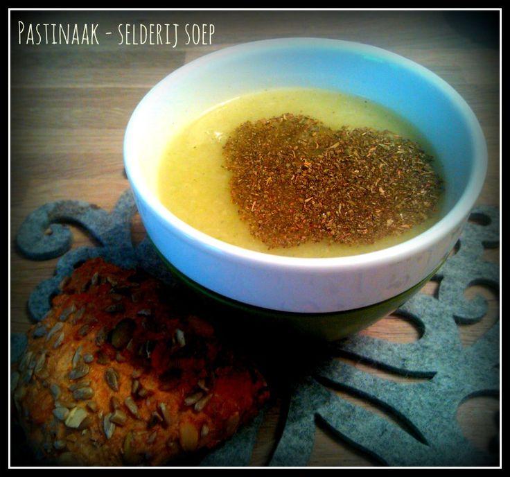 Pastinaak met selderij soep met een hartje van Italiaanse kruiden.