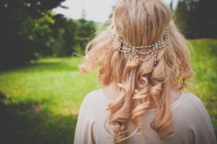 Bijoux de tête Theda - accessoire de cheveux mariée - tiare perles japonnaises - headband art nouveau - art deco - boheme FAIT SUR MESURE par eugeniebee sur Etsy https://www.etsy.com/fr/listing/176601644/bijoux-de-tete-theda-accessoire-de
