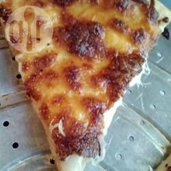 Pizza de queijo e alho @ allrecipes.com.br                                                                                                                                                                                 Mais
