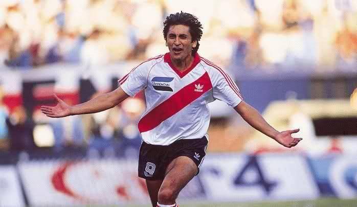 Ramon Diaz. Gigante Goleador
