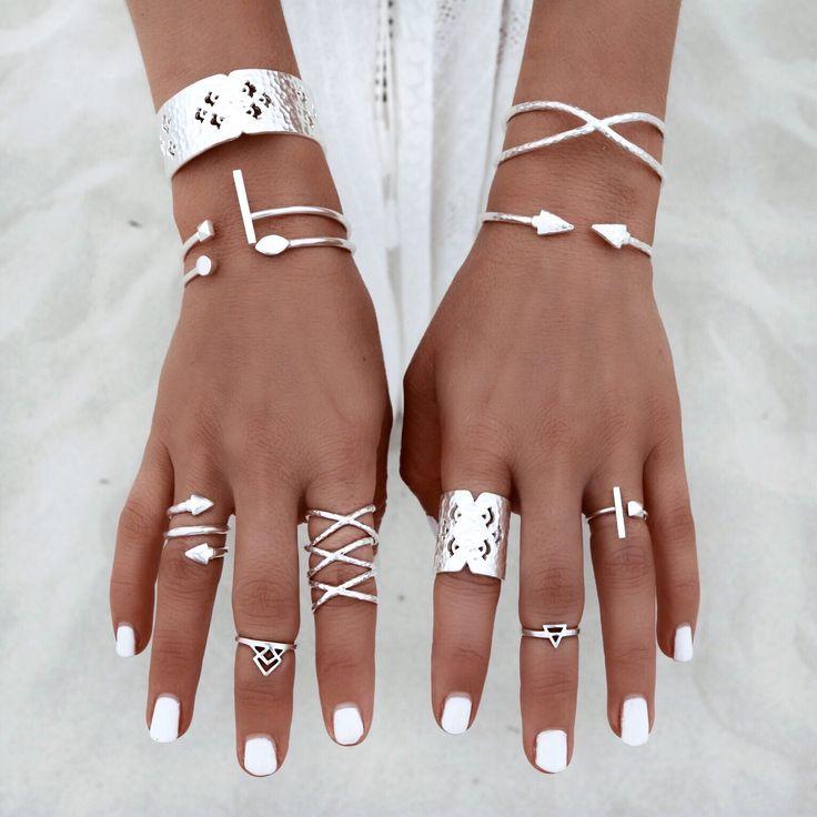 Love this! It makes me want #summer to come back around! I really want to join the #midi #ring trend! :)