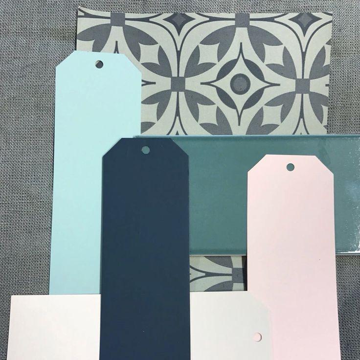 Spring 2017 Interior Colour Trends akin & suri Elmas Wallpaper, Farrow & Ball Dix Blue, Hague Blue, Skimming Stone and Calamine. With deep green tile and grey linen. www.waringsathome.co.uk