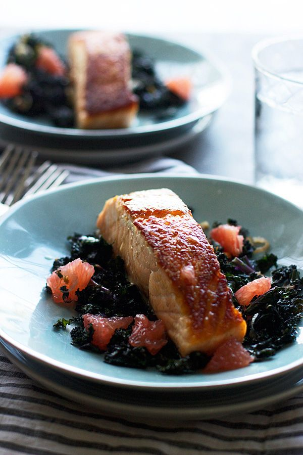 Pan-Roasted Salmon with Garlicky Kale and Citrus Vinaigrette | A ...