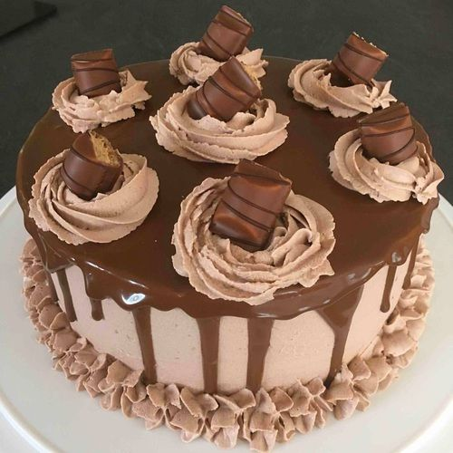 Giant Kinder Bueno Cake #share #mmm #delicious #love