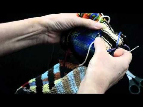How to Knit Intarsia knitting Part 2 Darning Ends - k1p1 TV - YouTube