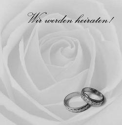 Die Rubrik 'Ringe' unserer Hochzeitskartendruckerei traupost.de beinhaltet wohl die beliebtesten Entwürfe für Ihre Hochzeitseinladungen, Tischkarten, Danksagungen und vielem mehr zum Thema Hochzeit. Gestalten Sie auf Basis von unseren Entwürfen wunderschöne Karten. Diese werden dann gedruckt und zu Ihnen nach Hause geliefert. Für Neukunden bieten Wir einen gratist Probedruck! http://www.traupost.de/hochzeitskarten/ringe/