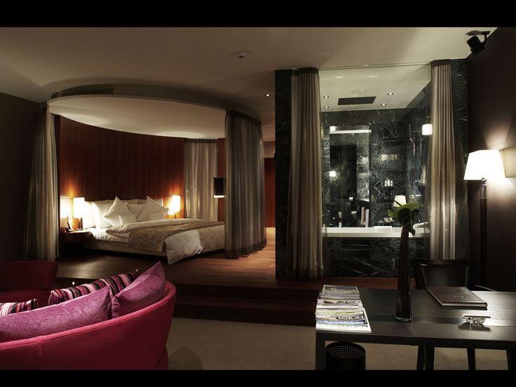 Bedroomdesign bed curtain layout www for Black bedroom suite