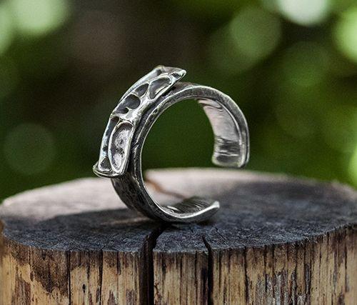 Ezüst gyűrű. Szilas Judit, ötvös. Egyedi ékszerkészítés -  Mail.:szilasjudit@gmail.com , www.szilasjudit.hu