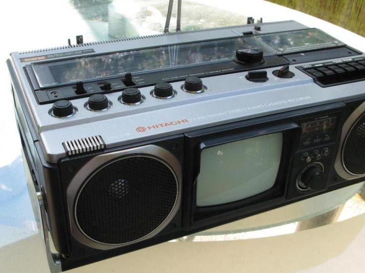 die KOmbi ist sehr gut erhalten, Antennen sind komplett und nicht verbogen, keine Risse,...,seltene Radio TV Kombi von Hitachi in Ghettoblaster Größe in Baden-Württemberg - Gernsbach