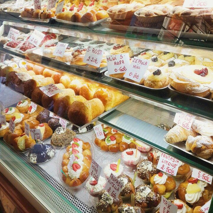 Little bakery shop at Naples, Italy | FOOOOOOD ...