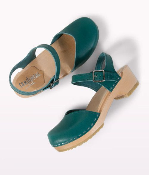 Saragasso swedish clogs, gorgeous green