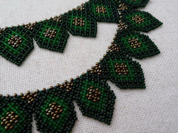 Zöld ukrán nyaklánc (green necklace pattern from Ukraine) - Nagy Gyöngyitől - http://nagygyongyi.hu/nepi/