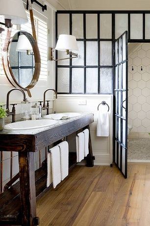 love this - maybe we can extend the shower? I love the vanity but need more storage