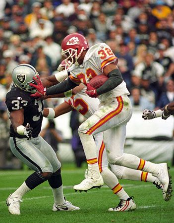 "Marcus Allen >>> He was a great one!! Glad he came to the good side from the ""dark side""..."