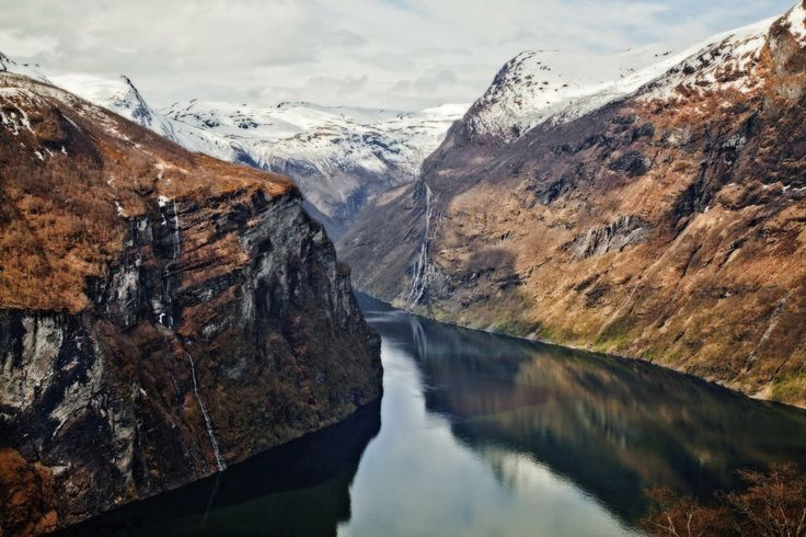 IS THIS PLACE EVEN REAL??? | 29 Reasons Norway Is The Most Beautiful Scandinavian Country