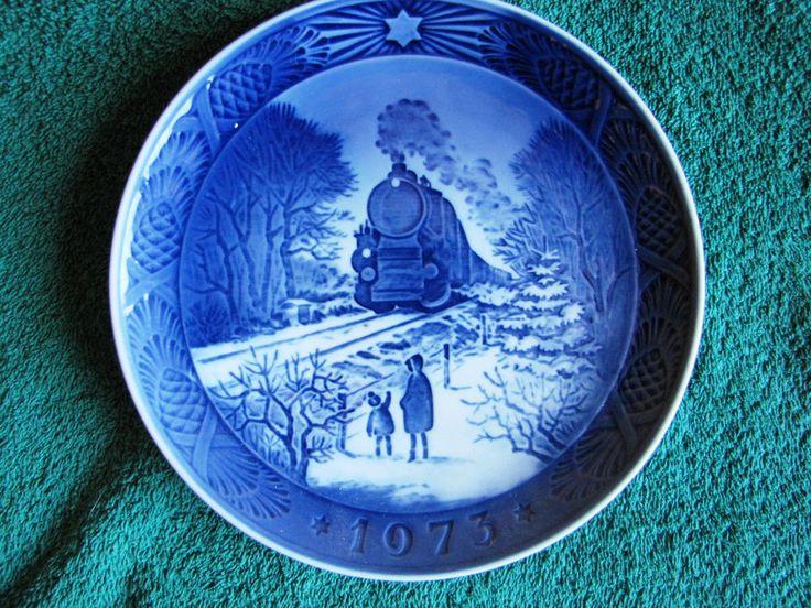 Royal Copenhagen 1973 Christmas Plate Going Home for Christmas