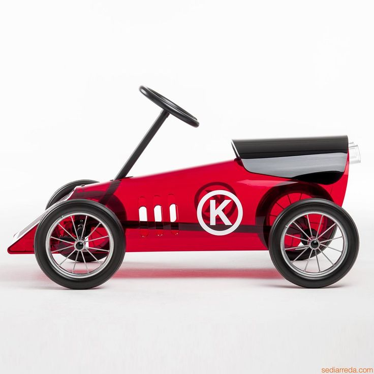 Discovolante | Design toy car for children by Kartell