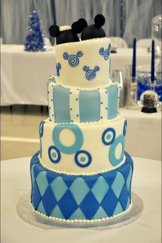 Mickey And Minnie Mouse Wedding Cake