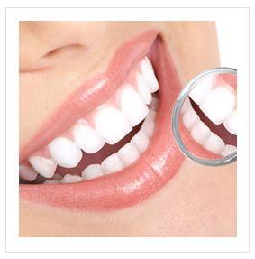 Tökéletes mosolyunkért és fogaink egészségéért nap, mint nap tennünk kell! A megfelelő szájhigiénia a rendszeres fogmosás, szájvízzel történő öblögetés...