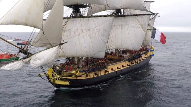 video of the replica frigate l hermione calling in brest fr gate l 39 hermione en escale. Black Bedroom Furniture Sets. Home Design Ideas