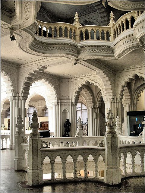 Architecture inside The Museum of Applied Arts in Budapest, Hungary (by Tölgyesi Kata).