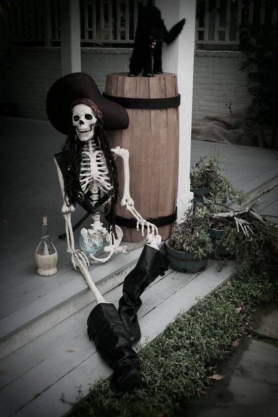 the glamorous housewife outdoor halloween decorations a pirates curse capt jack sparrow - Pirate Halloween Decorations
