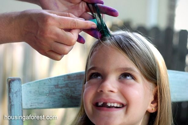 How to Chalk Hair ~ Housing A ForestHousing a Forest