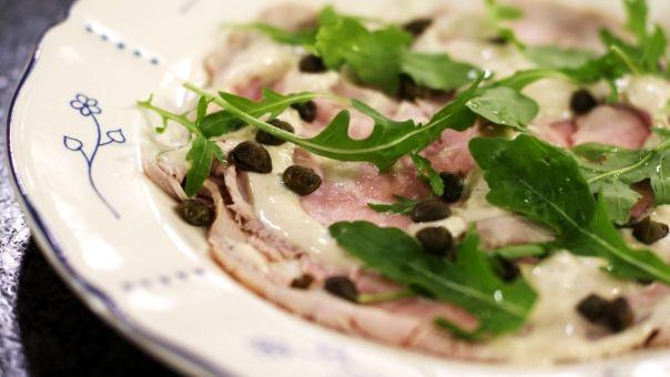 Eén - Dagelijkse kost - vitello tonato heel lekker maar teveel saus- halveer hoeveelheden!