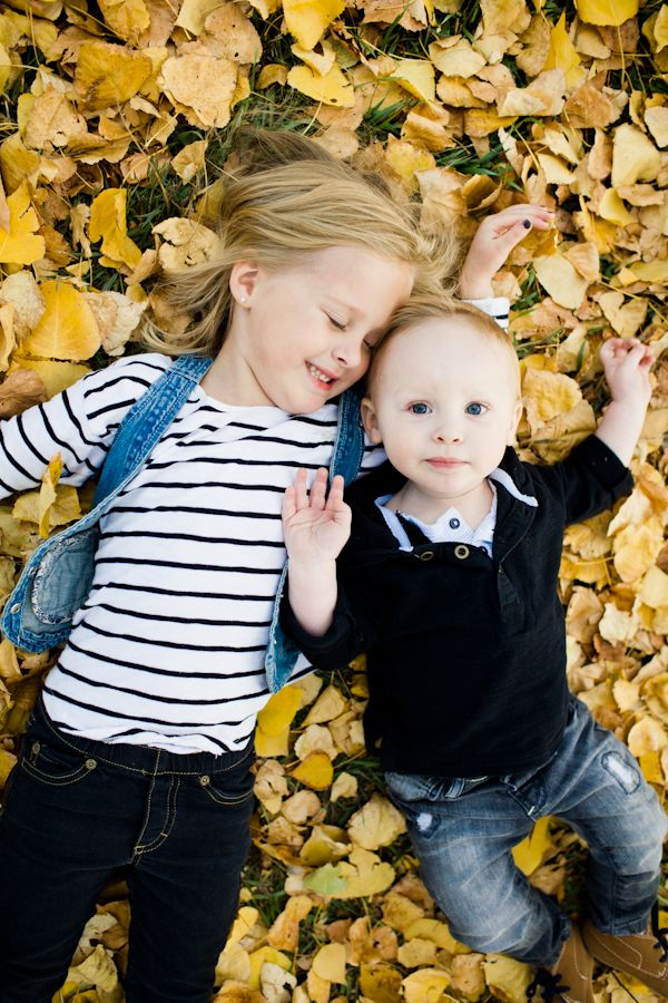 Love so many pics from this session it's hard to pick faves...love mommy with 2 kiddos, love the daddy/daughter pics too!