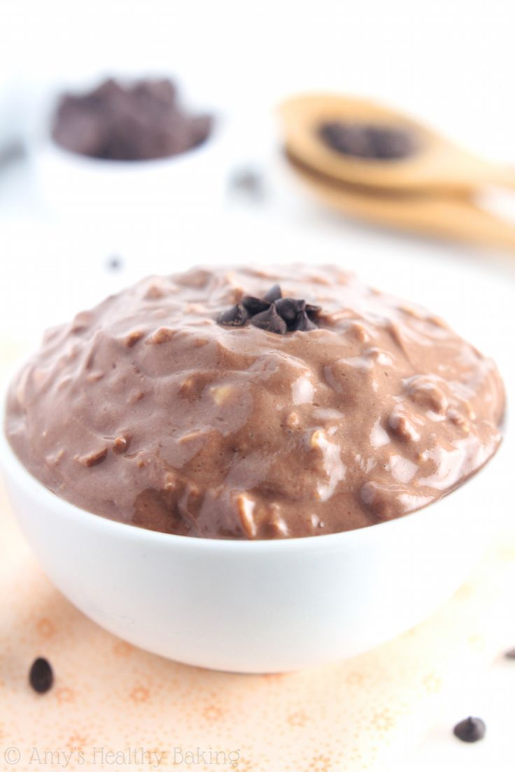 Chocolate Protein Overnight Oats -- just 5 healthy ingredients! They taste like a cross between hot chocolate & fudgy brownies!